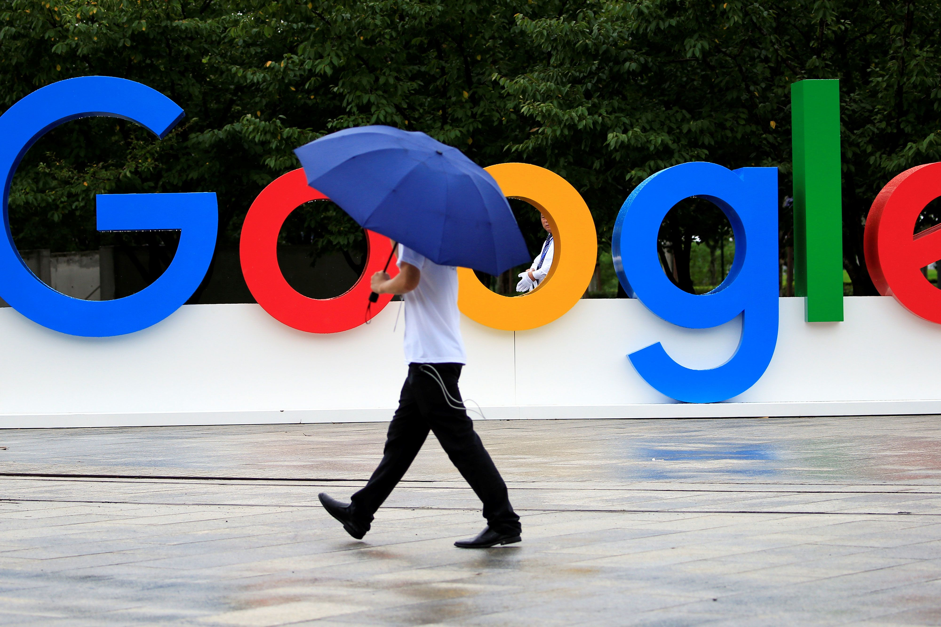 Be wary of Alphabet, stocks that rally into earnings reports