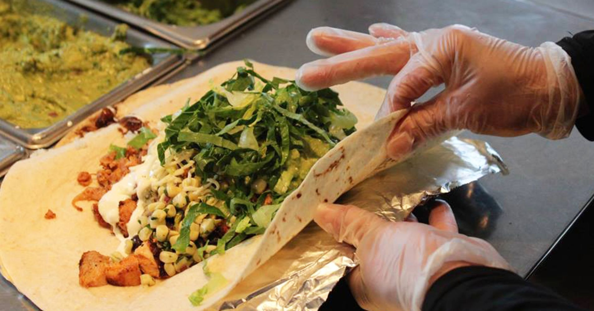 Cramer breaks down the 7 reasons why Chipotle is making a comeback
