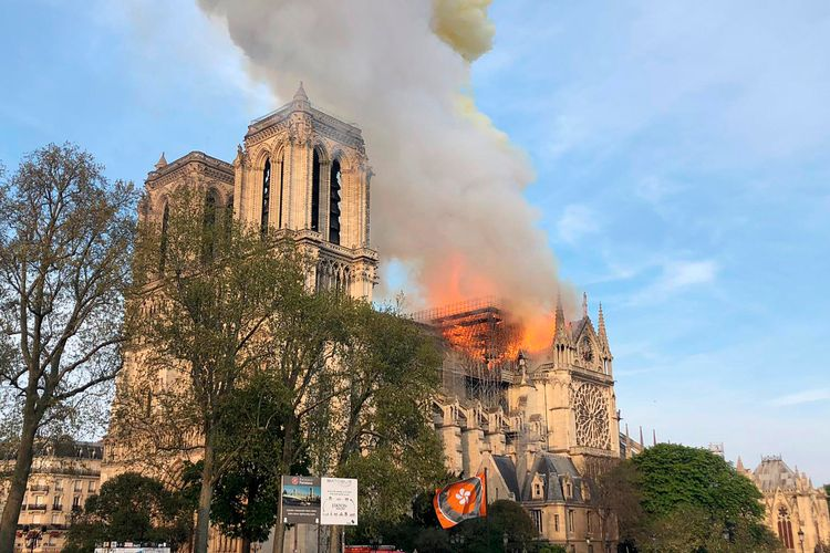 Fire destroys roof of Notre Dame cathedral in Paris