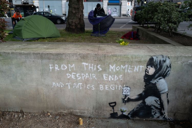 New Banksy mural appears in support of Extinction Rebellion protest in London