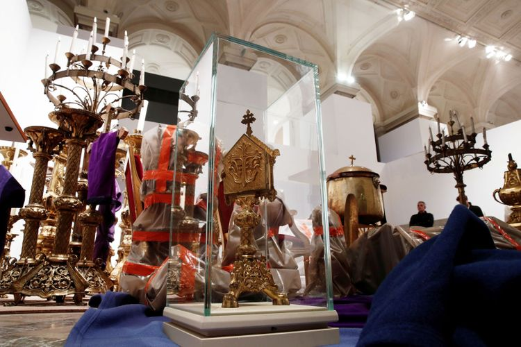 Precious works rescued from Notre Dame to be transferred to the Louvre