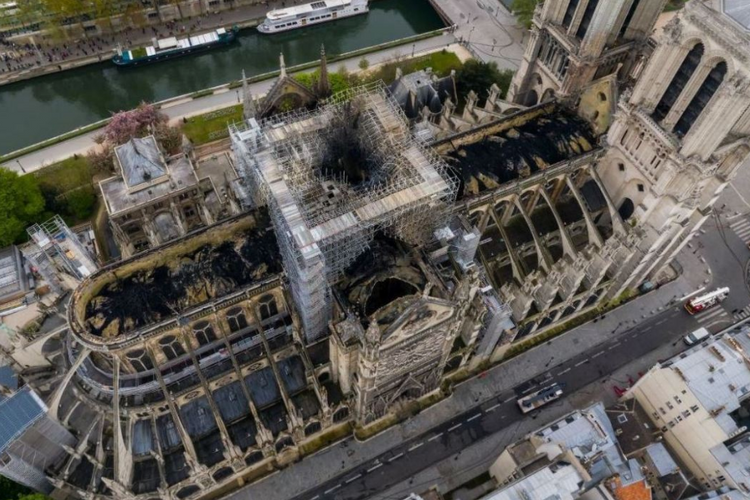 Notre Dame is unstable: a strong wind could make the walls collapse, report says