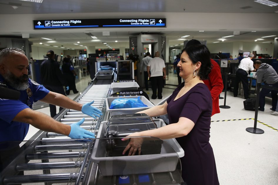 Travelers left close to $1 million at TSA airport checkpoints last year
