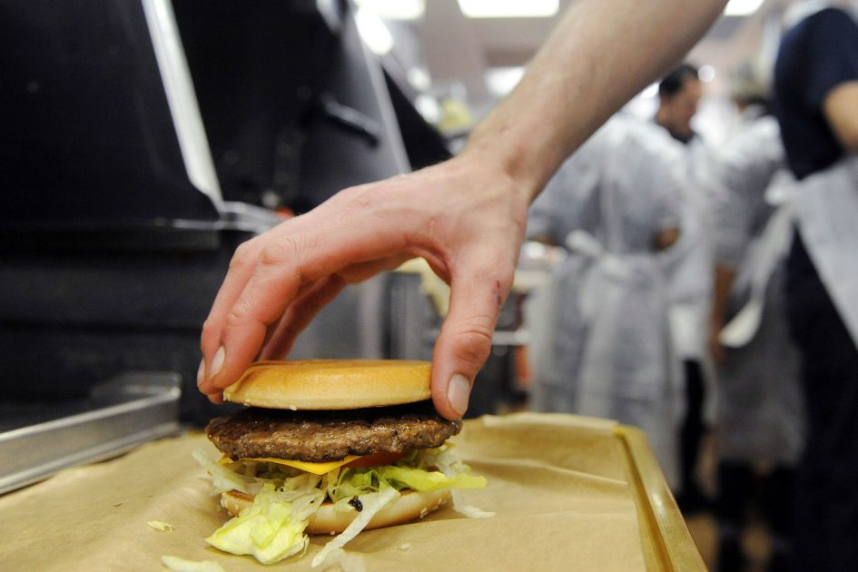 Fresh beef helps McDonald's gain market share for first time in 5 years