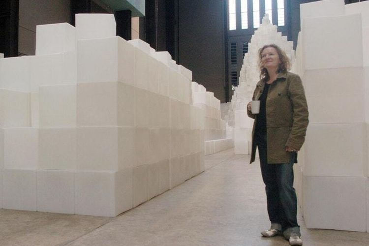 Queen's birthday honours: Rachel Whiteread is made a Dame with awards also for Glenn Brown and Ralph Rugoff
