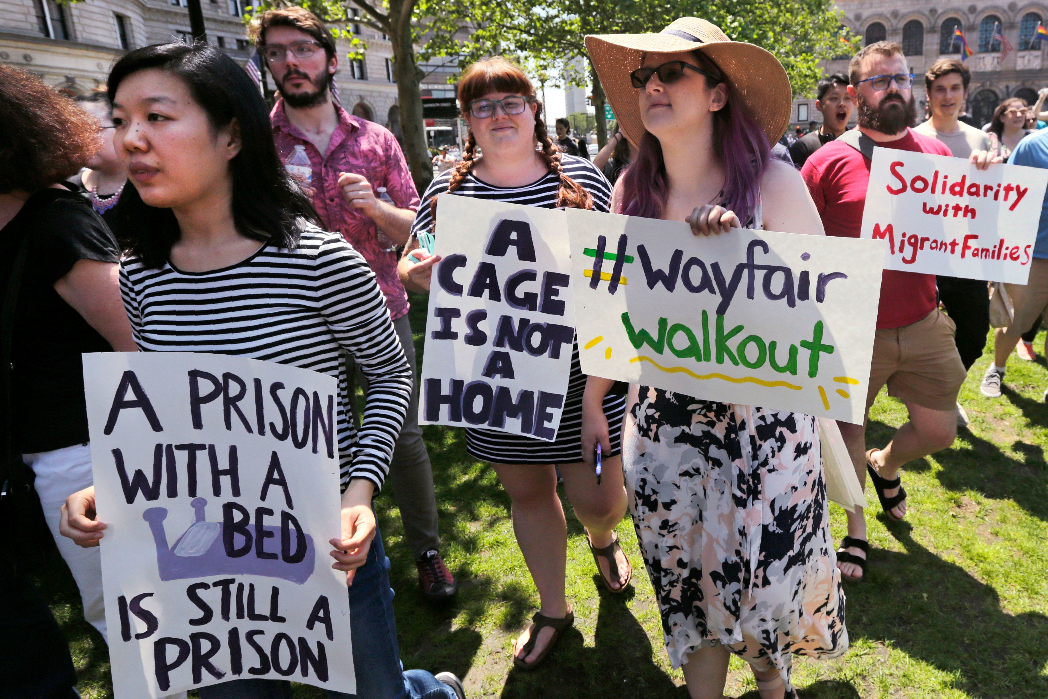 Trump official defends Wayfair bed sale to border detention camp