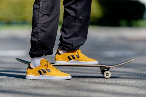 Vibrant Yellow Skateboarding Shoes : yellow skateboarding shoes