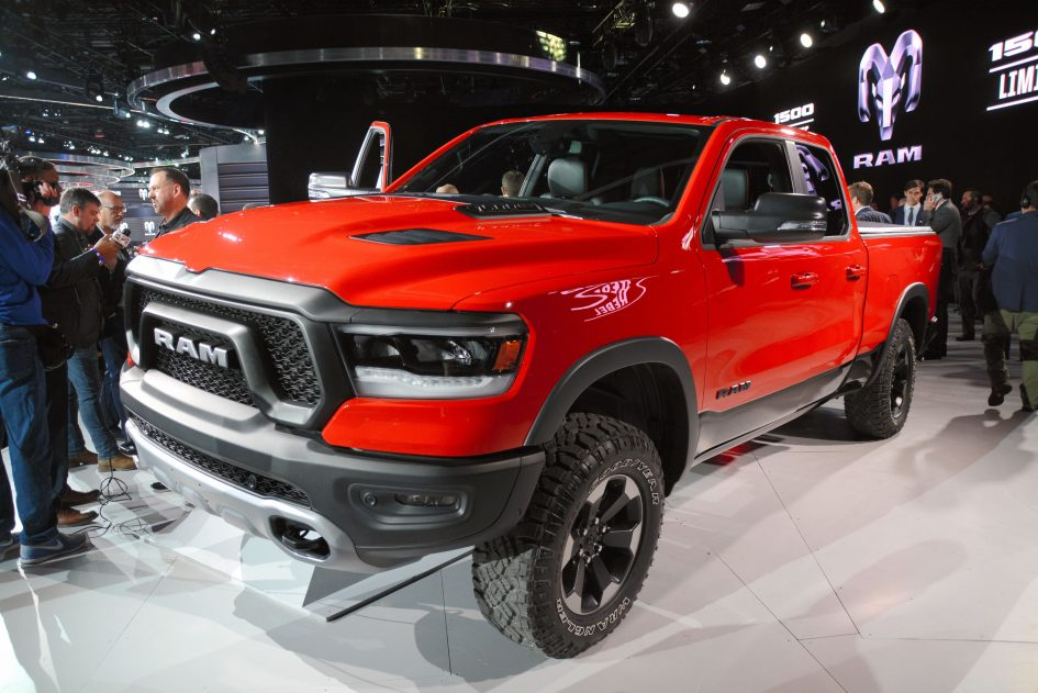 Fiat Chrysler stock down after Goldman Sachs initiates with sell rating