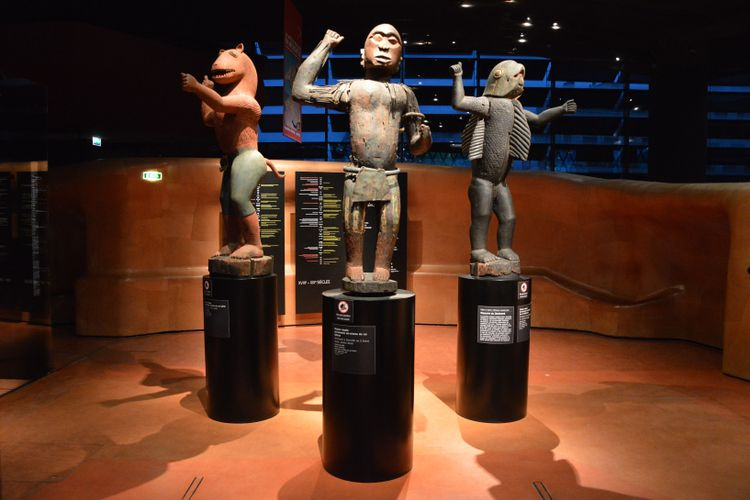 France retreats from report recommending automatic restitutions of looted African artefacts