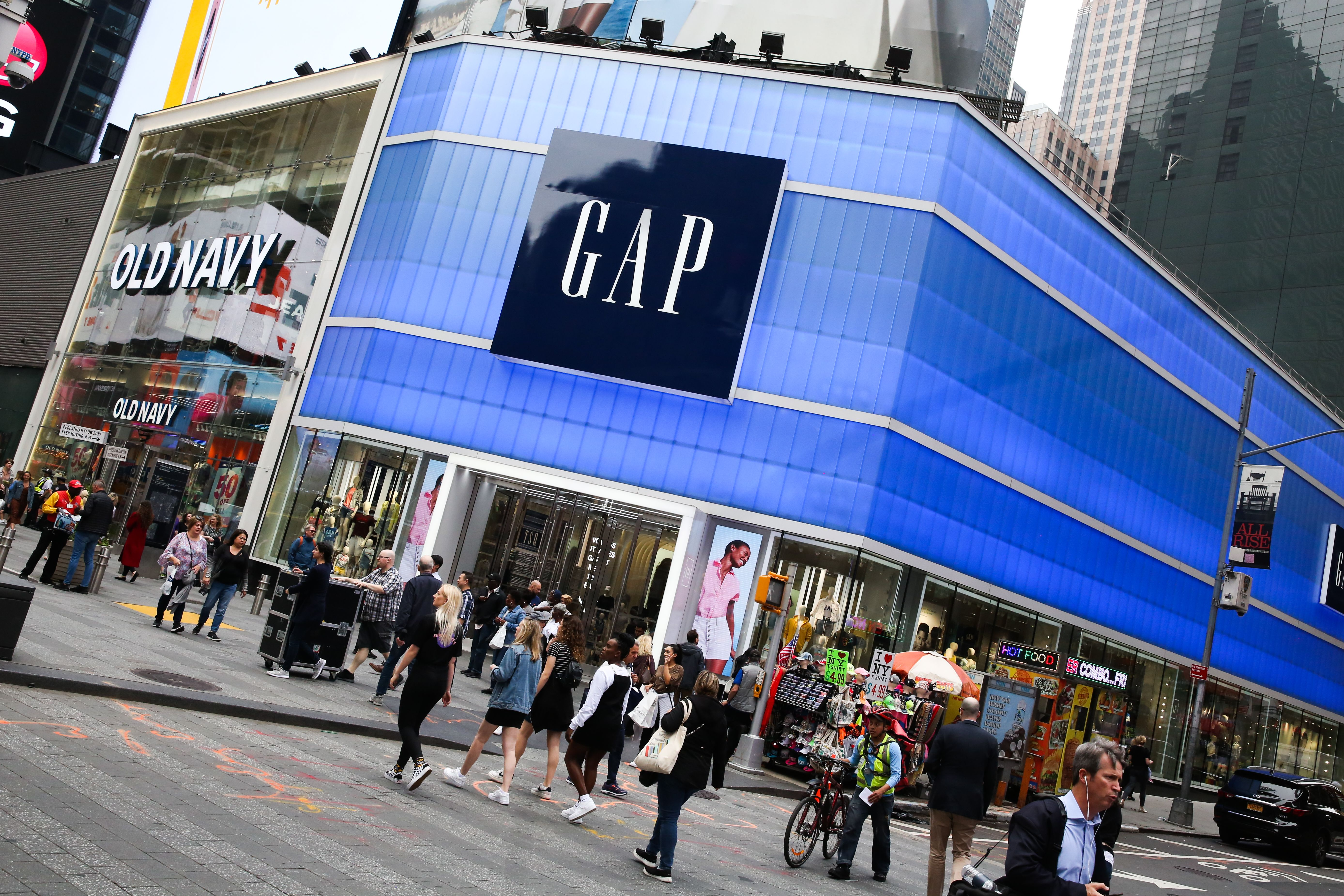 Gap's ad campaign tries to clarify its identity ahead of Old Navy spinoff