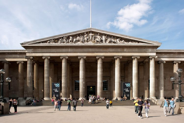 In damning online critique of British Museum's ethics, trustee Ahdaf Soueif announces resignation
