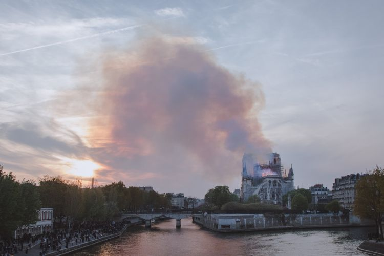 'Robin Hood' environmental group files lawsuit over lead fumes near Notre Dame