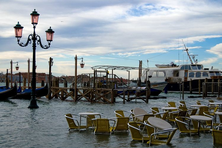 Venice has no official plan for how deal with climate change