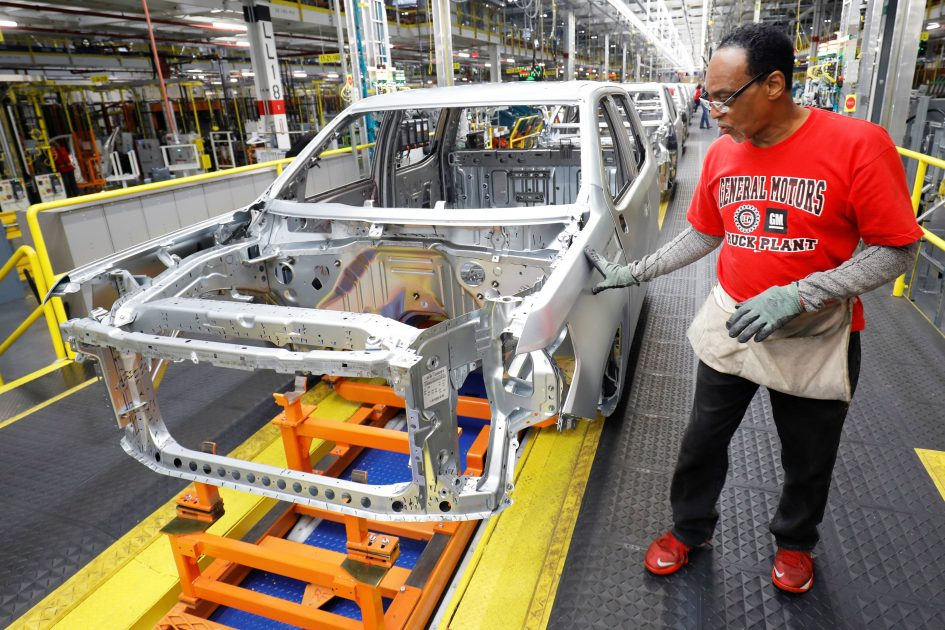 Automakers trim production as market weakens – but hope to avoid wholesale cuts of a decade ago
