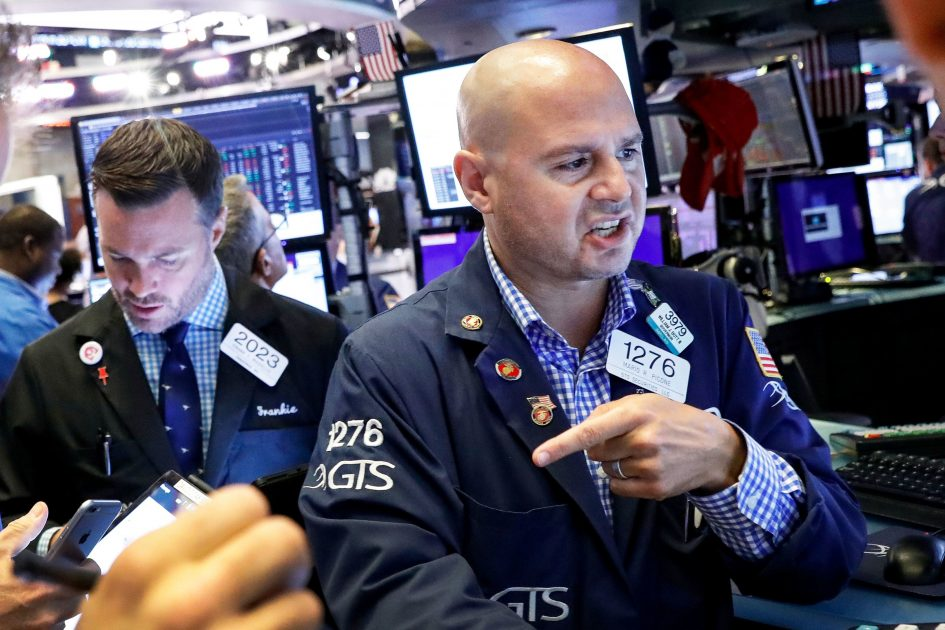 Earnings give a better read on the economy than the bond market