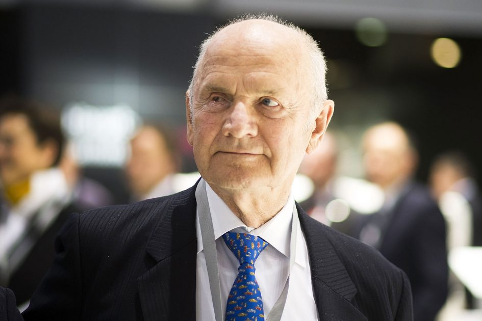 Volkswagen emissions scandal stains legacy of former CEO Piech, dead at 82
