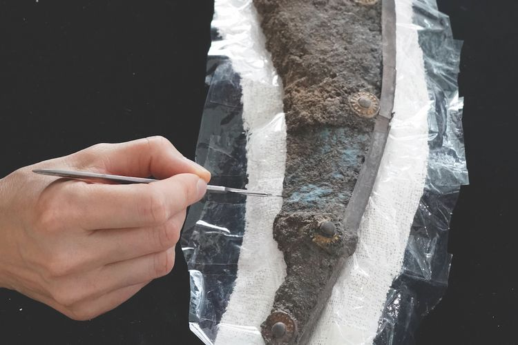 Restorers discover shield fragment is 1,700 years old, making it the oldest German panel painting