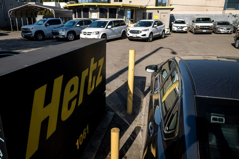 Hertz's stock may look cheap, but Cramer cautions against buying it