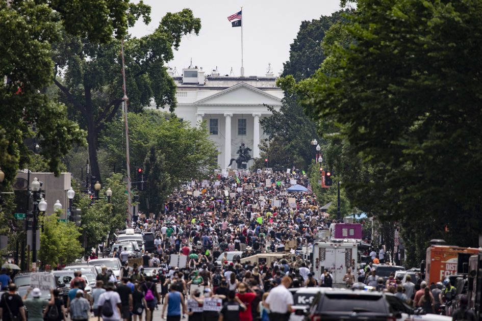 Huge demonstrations in the U.S. and around the world