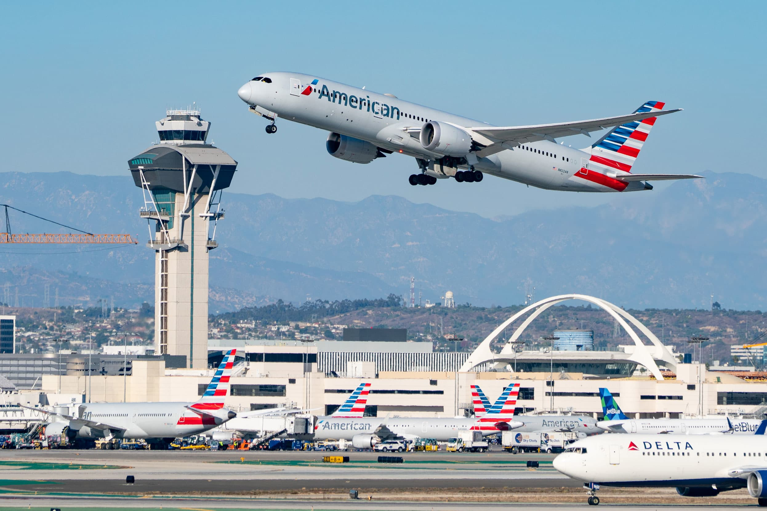 American, United pause nonstop flights to Shanghai amid concerns over restrictions facing overseas crews