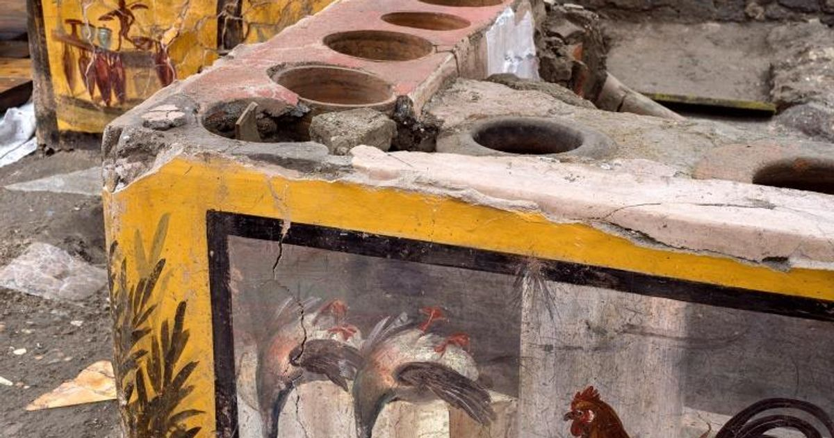 Ancient 'fast food' stall comes to light during Pompeii dig