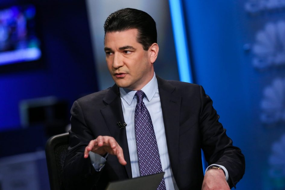 Dr. Scott Gottlieb: 'I will not eat indoors in a restaurant' because the Covid risk is too high
