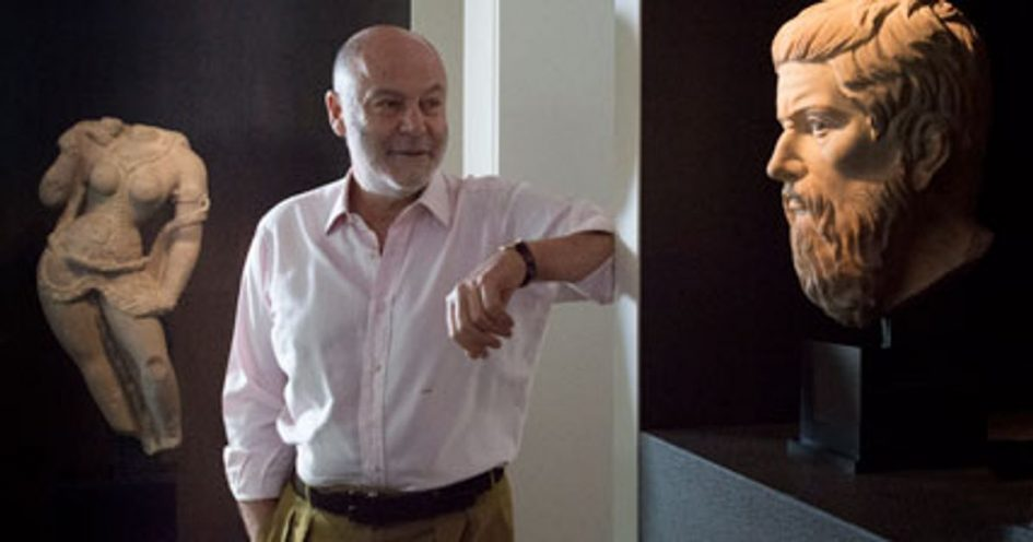 Johnny Eskenazi: from wannabe theatre director to leading Eastern art dealer who rescued stolen Afghan ivories