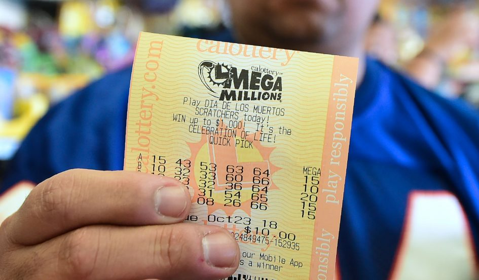 Mega Millions jackpot jumps to $376 million, Powerball's top prize is $341 million. How winners can protect their windfall
