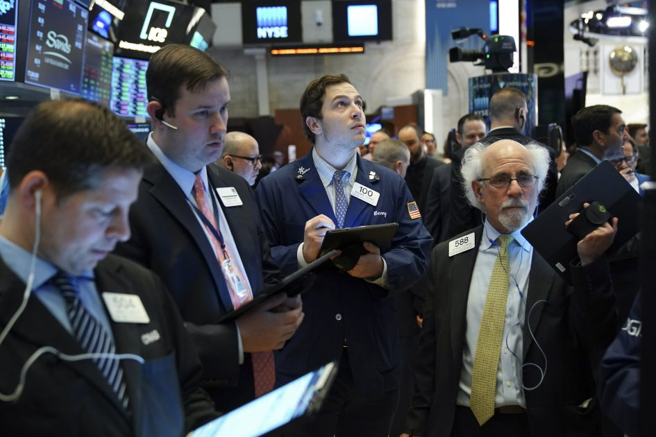 Wall Street analysts make a big S&P 500 call for 2021. Market history says ignore them