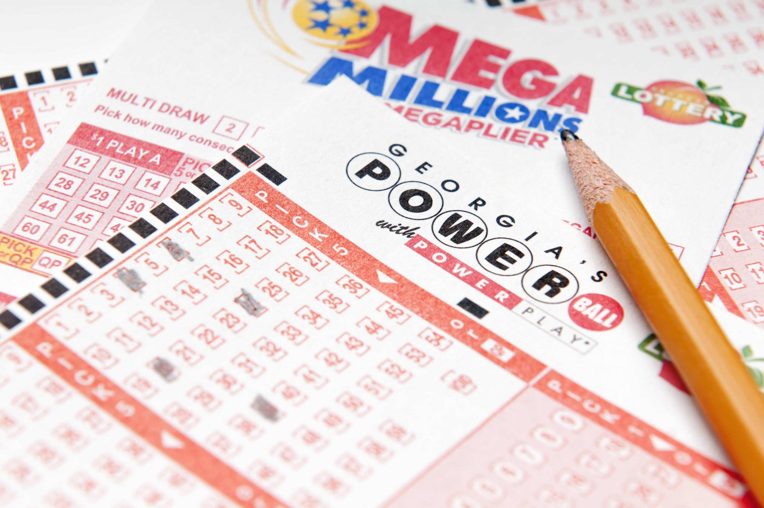 Both Powerball and Mega Millions jackpots are above $400 million. Here's what to do if you win