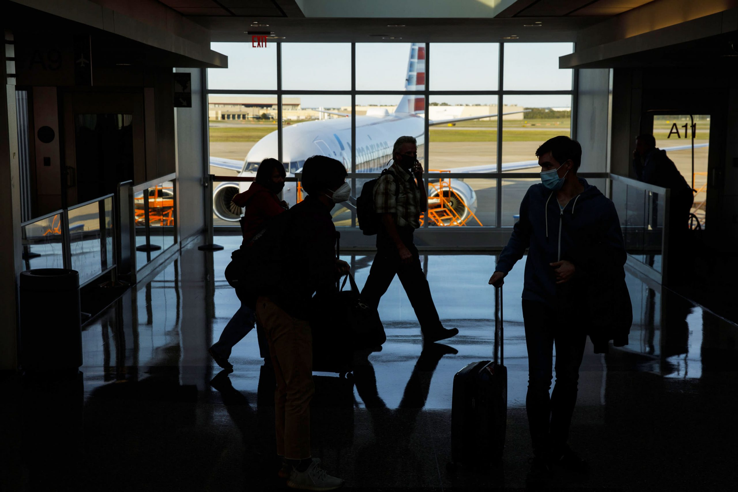 FAA chief says there's been a 'disturbing increase' in passenger disruptions on flights
