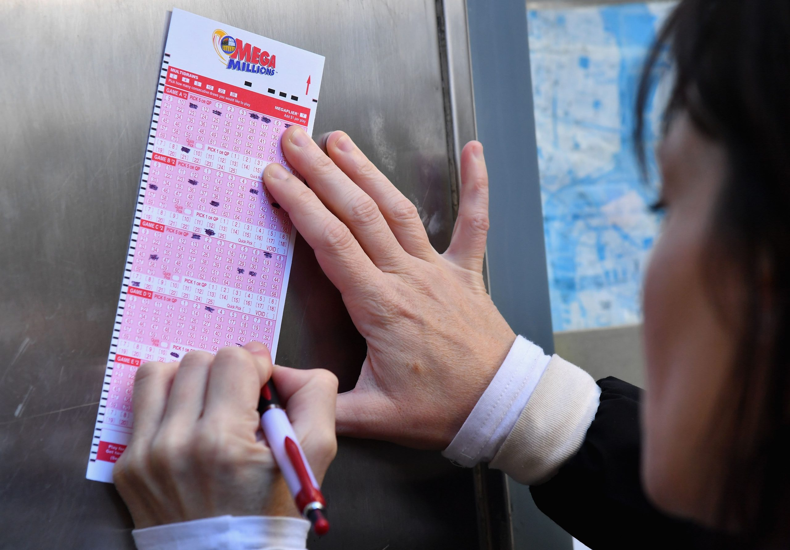 Mega Millions jackpot skyrockets to $850 million. Do this first if you win