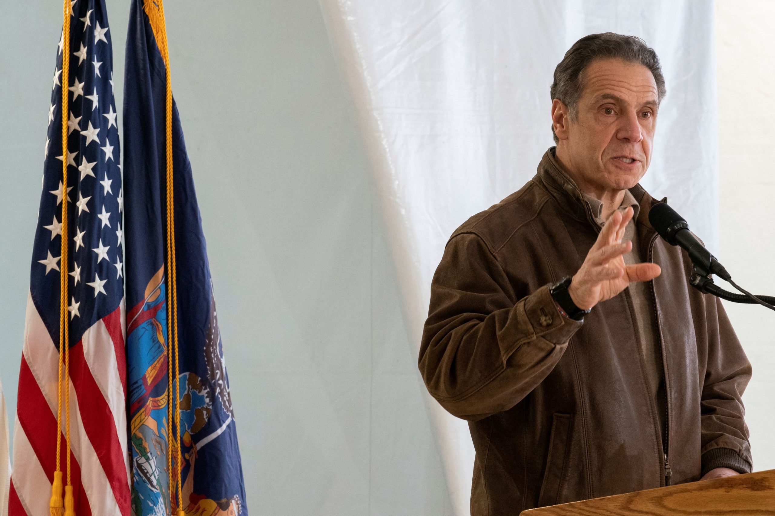 Cuomo, facing pressure from Democrats, agrees to independent probe of sexual harassment allegations
