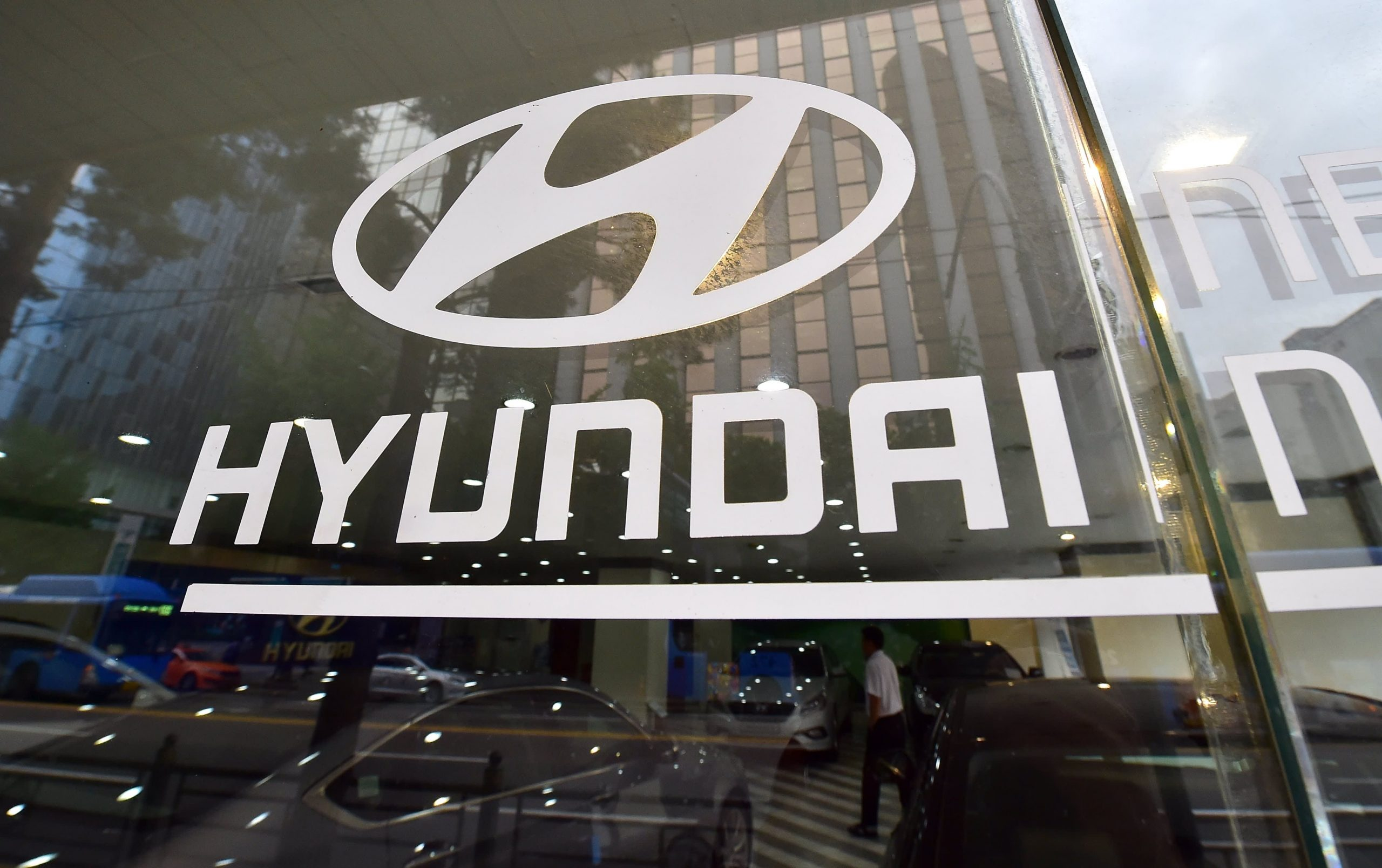 Hyundai, Kia shares tumble after automakers say they're not in talks with Apple to develop a car