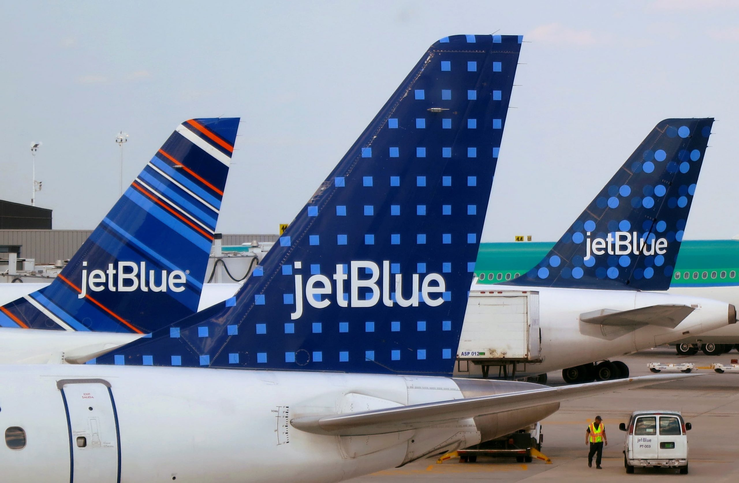 JetBlue is getting rid of ticket-change fees but banning overhead bin access for the cheapest tickets