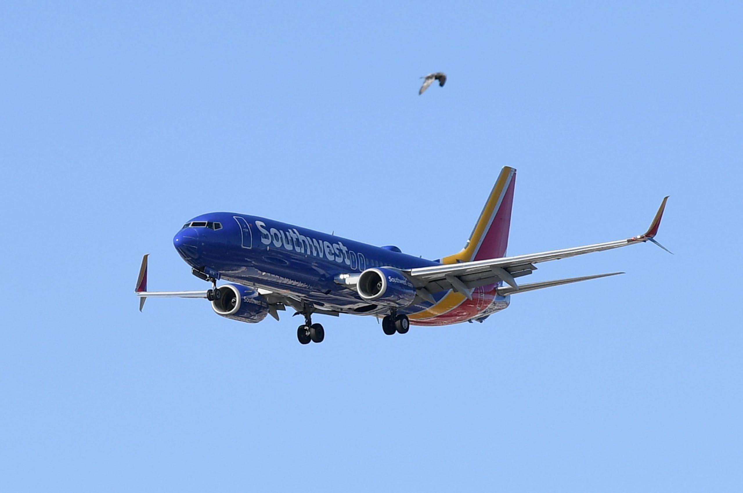 American, Southwest put off plans to serve alcohol after passenger disruptions, assault on board
