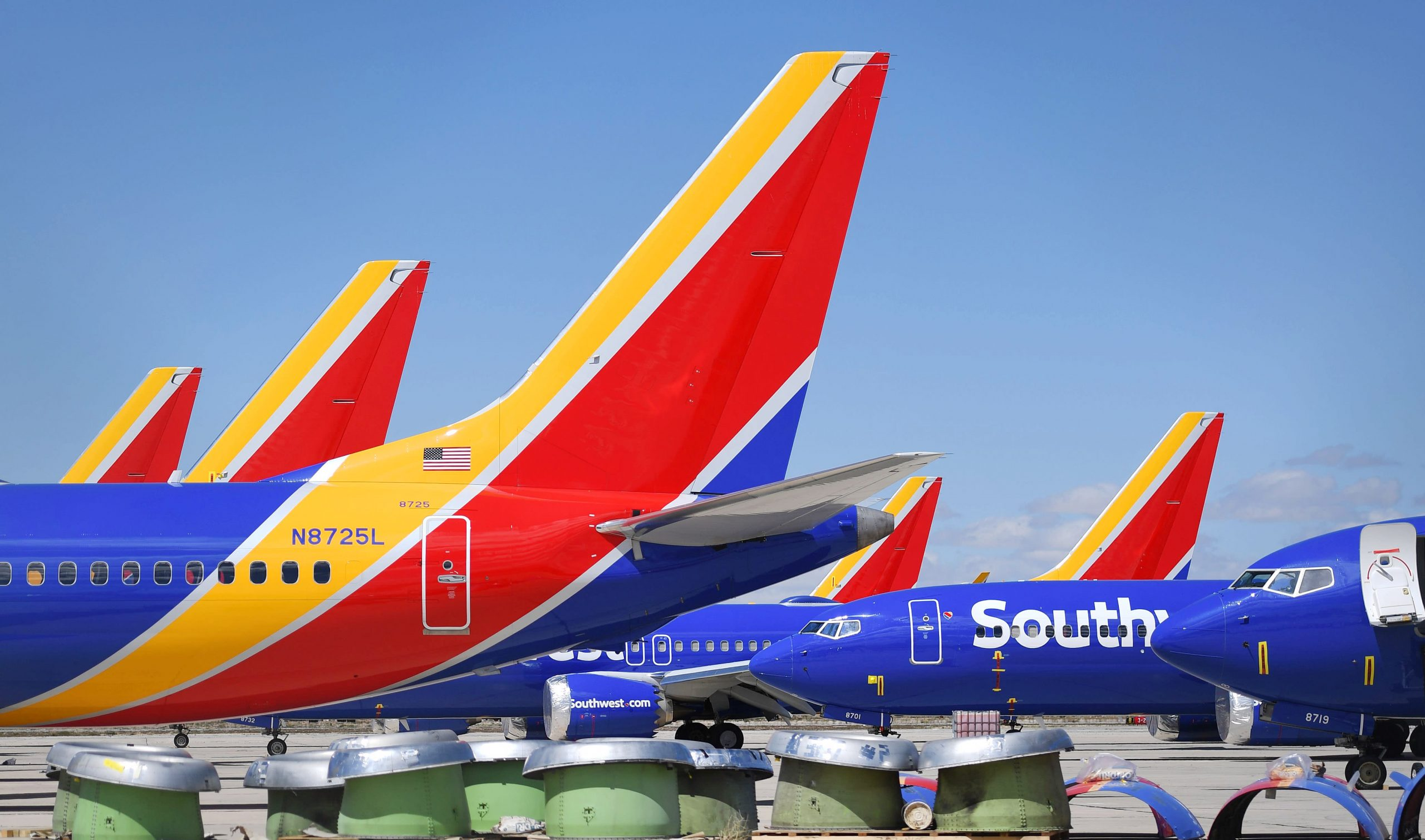 'Not all airlines are created equal': Two stock traders give their favorite picks