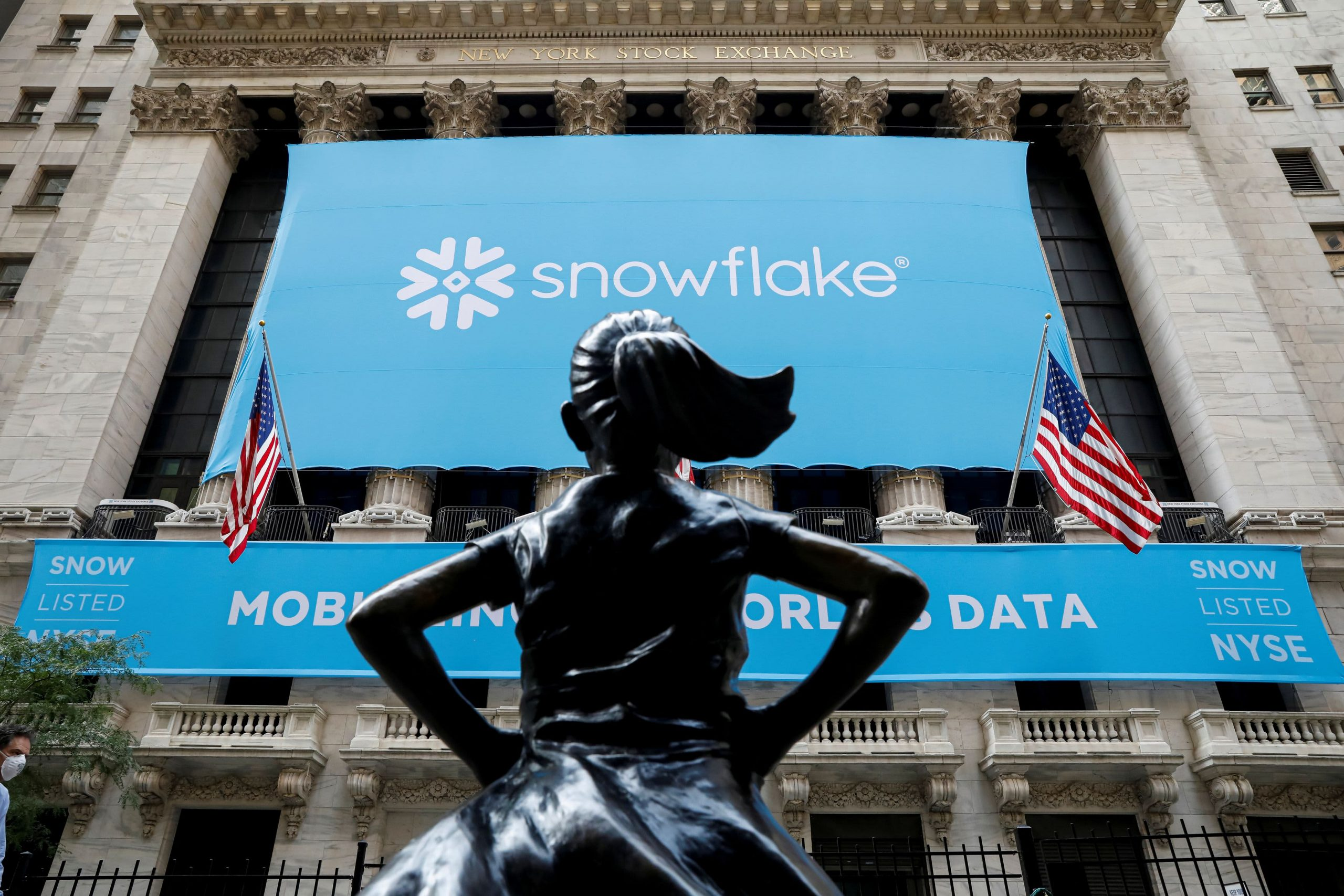 Snowflake CEO urges investors to be patient with stock during multiyear cloud transition