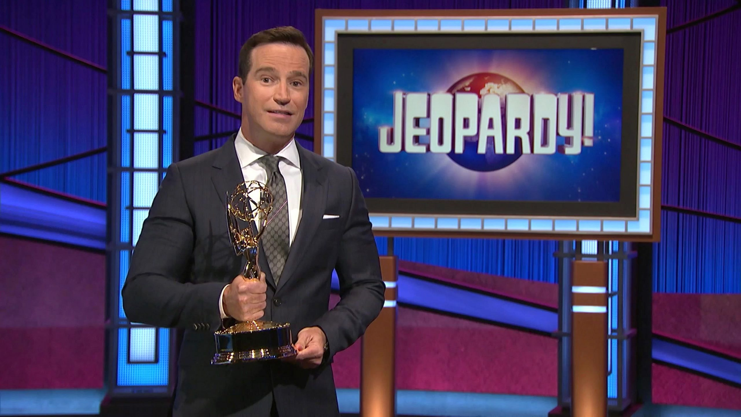 'Jeopardy!' executive producer Mike Richards will leave the show, Sony says, amid lingering controversy
